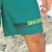 green-shorts-maillot